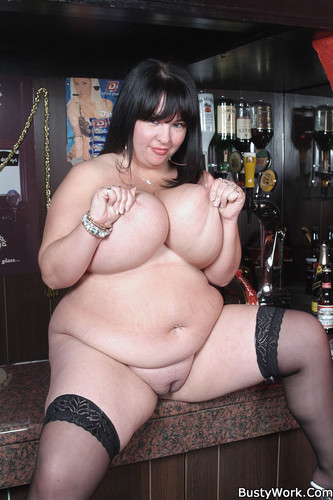 Meow 34JJ – Busty BBW A barmaid to be nailed right in the bar 1080P