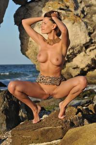 SUZANNA A. In Naezo - July 02, 2014w388r4v66z.jpg